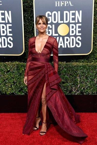 BEVERLY HILLS, CA - JANUARY 06:  Halle Berry attends the 76th Annual Golden Globe Awards at The Beverly Hilton Hotel on January 6, 2019 in Beverly Hills, California.  (Photo by Frazer Harrison/Getty Images)