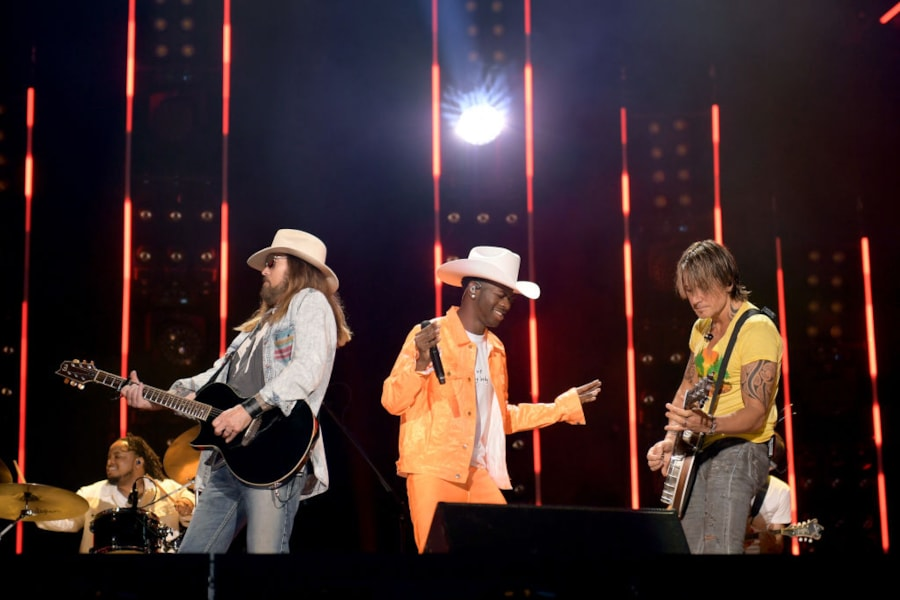 """Keith Urban joins  Billy Ray Cyrus, Lil Nas X playing the """"Ganjo"""" during """"Old Town Road."""""""